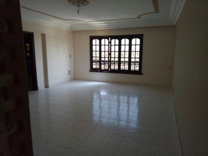 شقة للبيع بميدان تريومف أكبر ميدان بمصر الجديدة